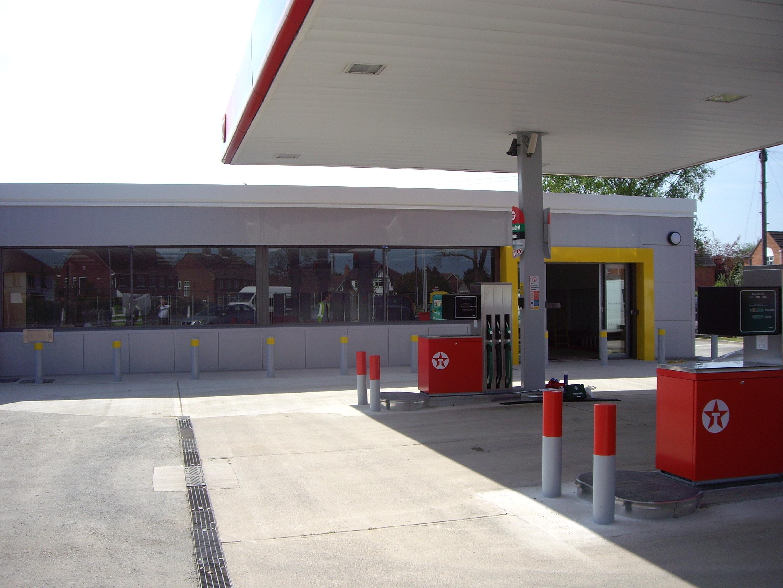 Shop & pumps30.04.07